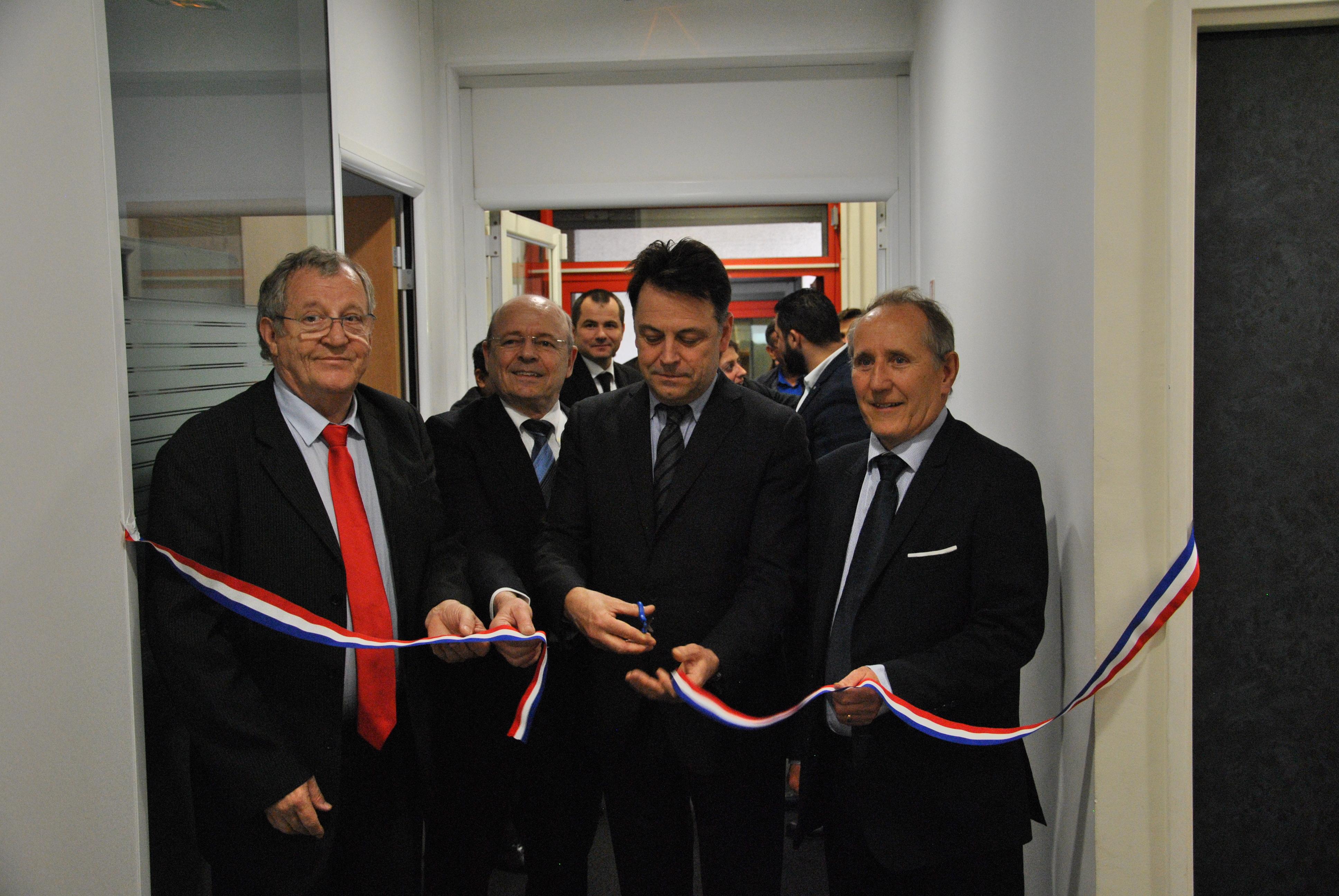 De gauche à droite : Philippe LEMAIRE, Directeur Général, Pierre CARLI, Administrateur, Yann JOUNOT, Préfet des Hauts-de-Seine et Patrick JARRY, Maire de Nanterre