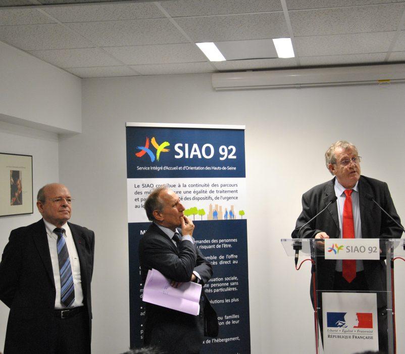 De gauche à droite Pierre CARLI, Administrateur, Patrick JARRY, Maire de Nanterre et Philippe LEMAIRE, Directeur Général du GCSMS SIAO 92